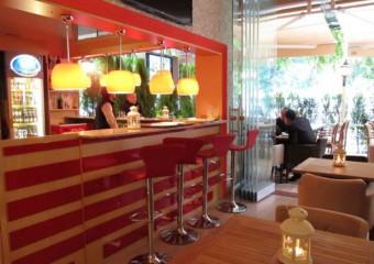 Aliila Cafe & Restaurant