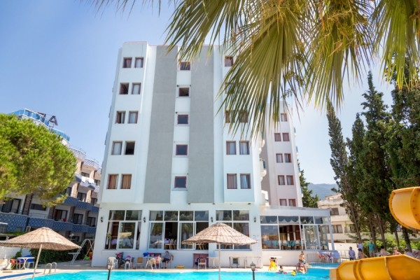 Bella Pino Beach Hotel