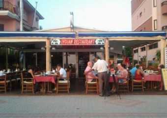 �al�� Beach Restaurant