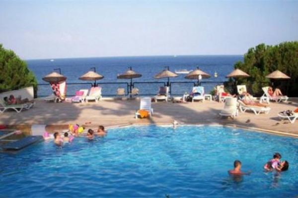 Dora Beach Turun� Hotel