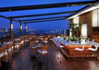 Cloud 7 Restaurant & Bar & Terrace