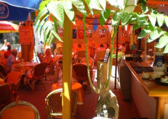 Lafontaine Cafe & Restaurant