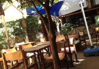 Hideaway Bar & Cafe
