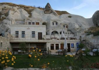 Spelunca Hotel