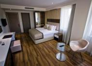 Edi's Premier Hotel