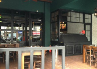 Zeplin Pub & Delicatessen
