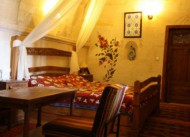 K�smet Cave House