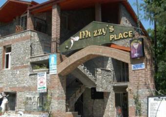 Muzzys Place Hotel