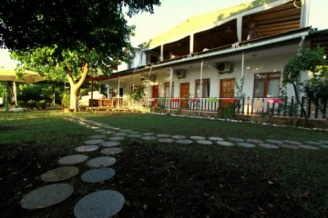 ��ral� Ceres Hotel