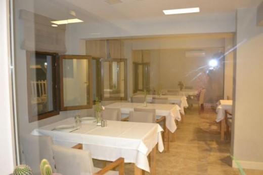 Teos Konukevi Pansiyon & Restaurant