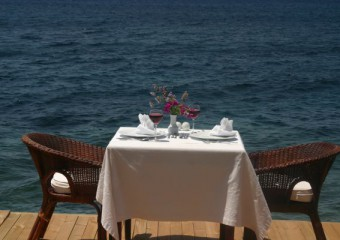 Arion Restaurant & Bar & Beach