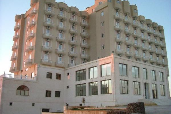 Yay Grand Otel