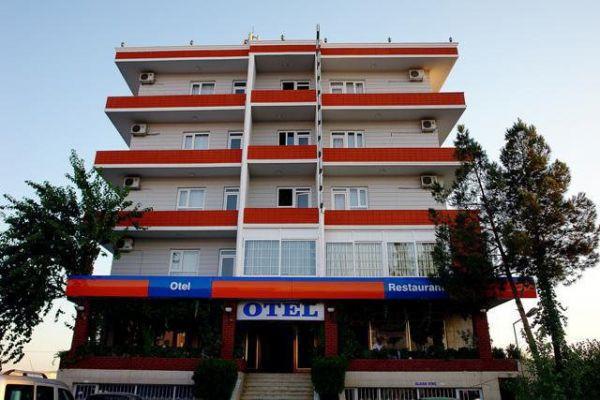 Büyük Geçit Oteli