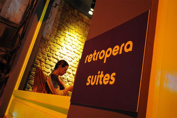 Retropera Hotel