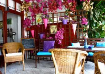 Ceri Cafe & Patisserie