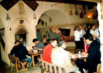 Asım'ın Yeri Şarap Evi