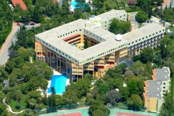 Corinthia Excelsior Hotel