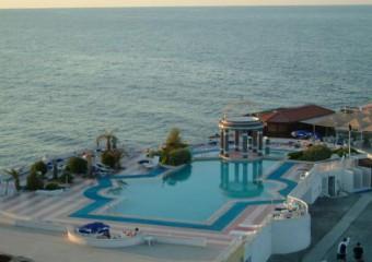 Dome Hotel Casino