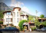 Hotel G�kova