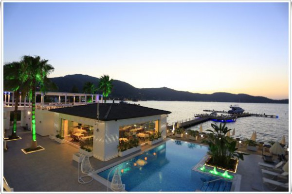 Poseidon Boutique Hotel & Yacht Club