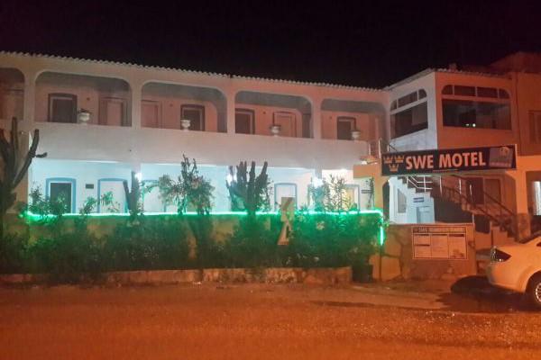 Swe Motel Cafe & Bar