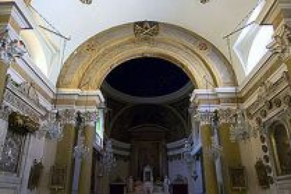 �stanbul Saint Pierre Kilisesi