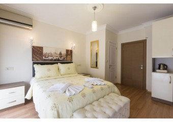 Zendy Suite Hotel