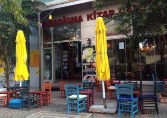 Paradigma Kitap ve Cafe