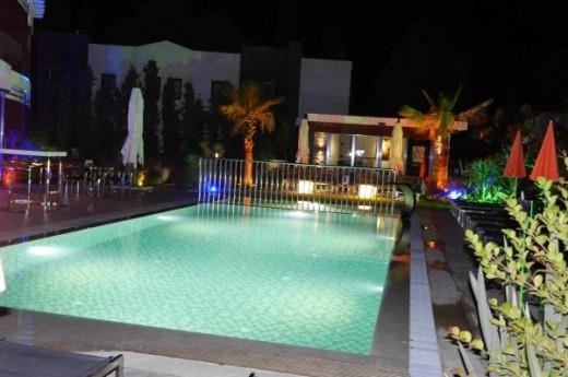 Yah�i's Yah�i Resort