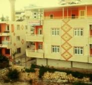 G�khan Apart