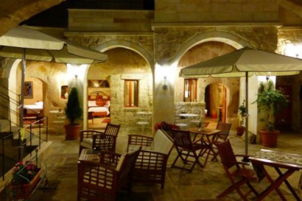 Courtyard Cave Hotel