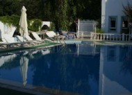 T�may Hotel