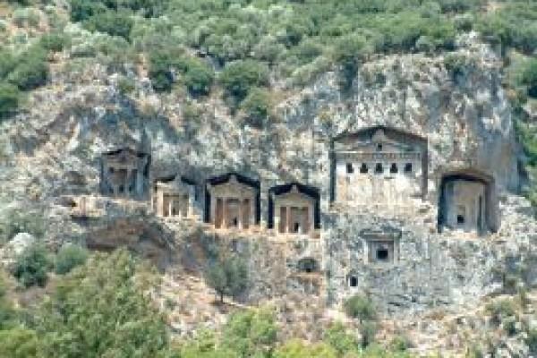 Dalyan Kral Kaya Mezarları
