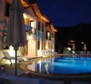 Saranda Club Otel