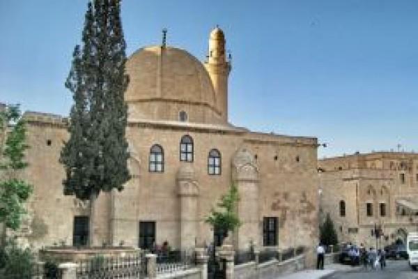 Melik Mahmut Camii