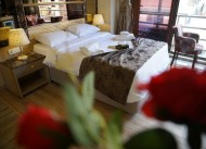Holiday Business Hotel