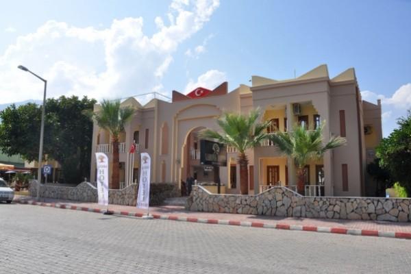 Lanova Hotel