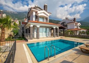 Golden Life Villas
