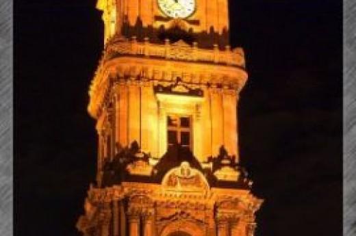 Dolmabah�e Saat Kulesi