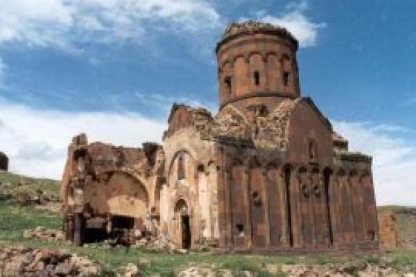 Tigran Honents Kilisesi