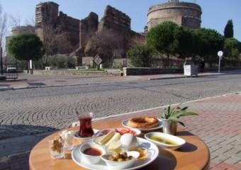 Red Basilica Cafe