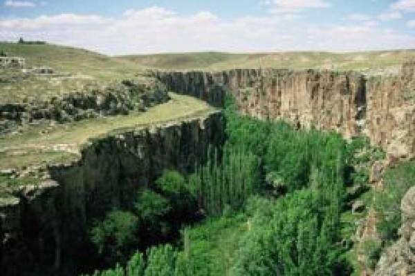 Kapadokya Ihlara Vadisi