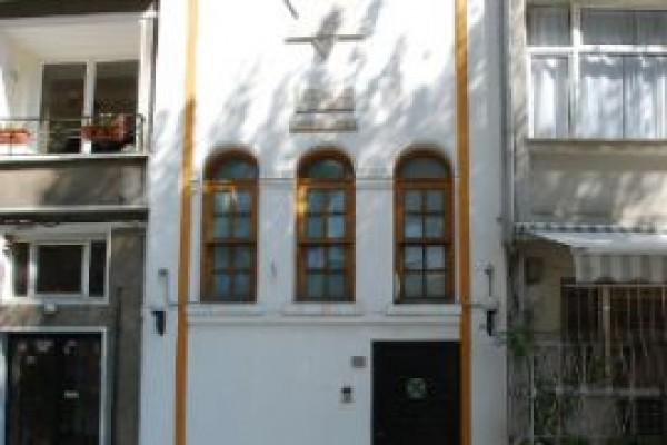 Yenik�y Sinagogu