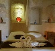 Amor Cave House