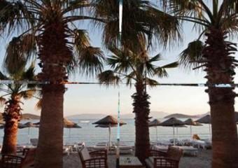 Vona Restaurant Beach