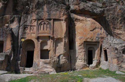 Karamanl� Kona��