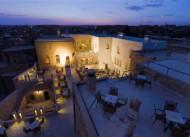 Kasr-� Nehroz Hotel