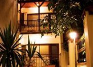 �r�c� Palace Apartments