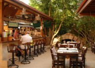 Tonoz Beach Otel �l�deniz