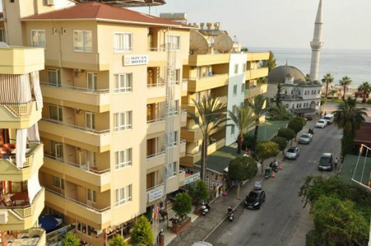 �zcan Hotel